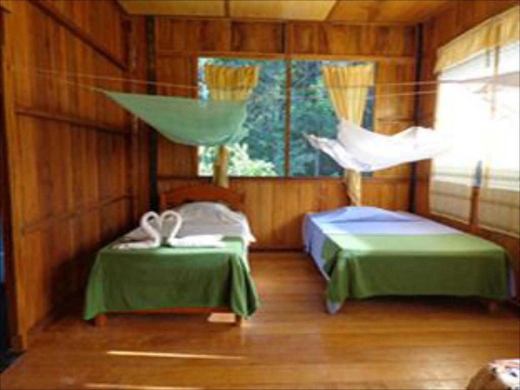 Monte Amazonico Lodge x